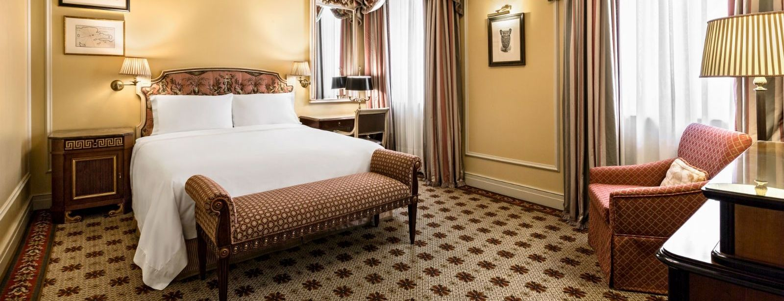 Deluxe Rooms at Hotel Grande Bretagne, a Luxury Collection Hotel Athens